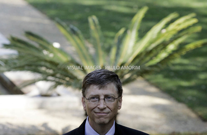 Microsoft chairman Bill Gates smiles  at the Sao Bento palace in Lisbon. 01/02/2006