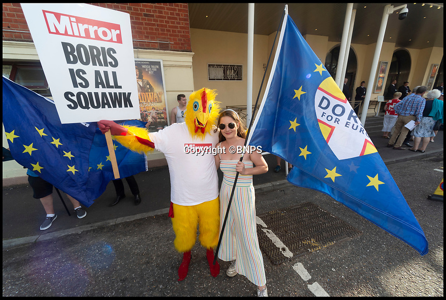 BNPS.co.uk (01202 558833)Pic:   RogerArbon/BNPS<br /> <br /> The Mirror chicken outside the Bournemouth Pavilion Theatre, before the arrival of the candidates.<br /> <br /> The Mirror chicken travels to Bournemouth to meet Boris Johnson at the latest round of hustings.