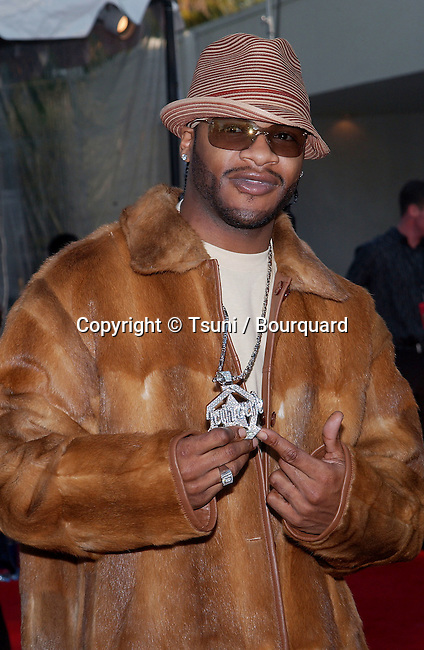 Jaheim arriving at the 16th Annual Soul Train Music Awards at the L.A. memorial Coleseum & Sport Arena in Los Angeles. March 20, 2002.           -            Jaheim01.jpg