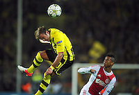 FUSSBALL   CHAMPIONS LEAGUE   SAISON 2012/2013   GRUPPENPHASE   Borussia Dortmund - Ajax Amsterdam                            18.09.2012 Mario Goetze (li, Borussia Dortmund) gegen Tobias Sana (re, Ajax)