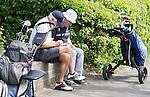 VELSEN - Scorekaart invullen na een ronde op Spaarnwoude.  Openbare Golfbaan Spaarnwoude. COPYRIGHT KOEN SUYK