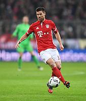 Fussball  1. Bundesliga  Saison 2016/2017  16. Spieltag  FC Bayern Muenchen - RB Leipzig        21.12.2016 Xabi Alonso (FC Bayern Muenchen) am Ball