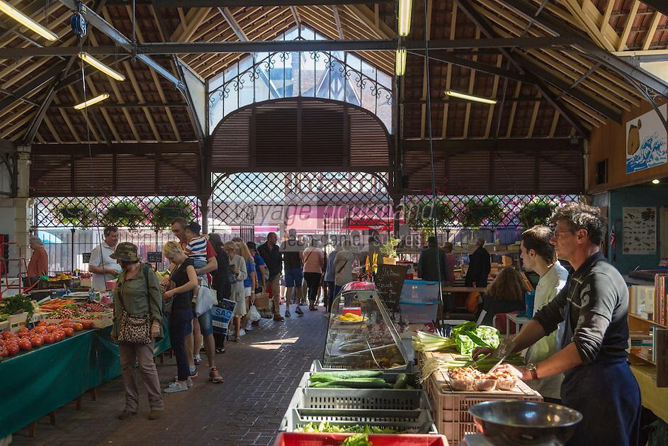 France, Calvados (14), Côte Fleurie, Houlgate: le marché  //  France, Calvados, Côte Fleurie, Houlgate:   the market