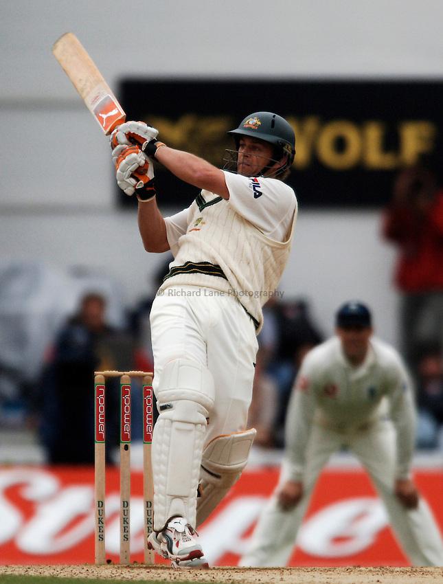 Photo: Glyn Thomas..England v Australia. nPower Test Series. The Ashes 2005..11/09/2005..Australia's Adam Gilchrist hits out.