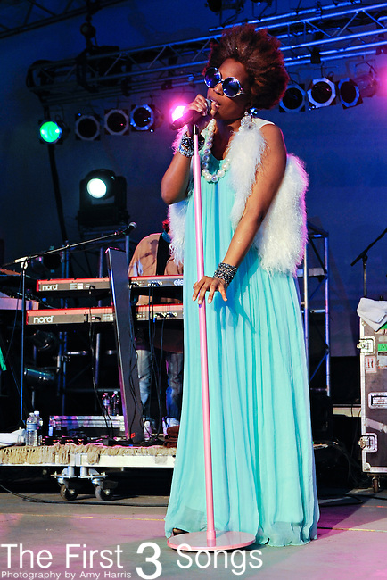 Macy Gray performs during the 2010 Voodoo Experience in New Orleans, Louisiana on October 31. 2010.