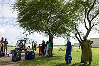 CHAD, Guéra, Mongo, runway, WFP world food programme flight / TSCHAD , Guéra, Mongo, am Flugplatz