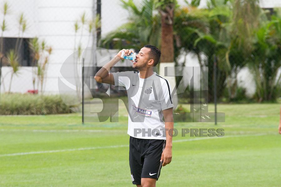 SANTOS, SP, 27.10.2015 - FUTEBOL-SANTOS Geuvânio do Santos durante sessão de treinamento no Centro de Treinamento Rei Pelé nesta terça-feira, 27. (Foto: Flavio Hopp / Brazil Photo Press)