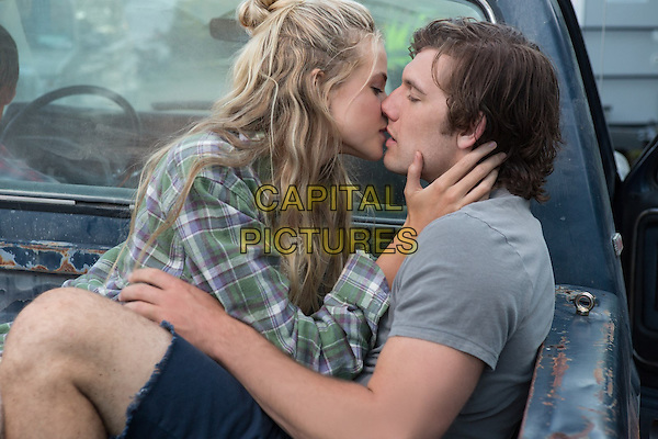Gabriella Wilde, Alex Pettyfer<br /> in Endless Love (2014) <br /> *Filmstill - Editorial Use Only*<br /> CAP/NFS<br /> Image supplied by Capital Pictures