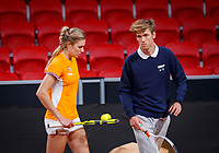 The Hague, The Netherlands, Februari 4, 2020,    Sportcampus, FedCup  Netherlands -  Balarus, practise, Indy de Vroome (NED) with her coach Mariano Pettigrosso <br /> Photo: Tennisimages/Henk Koster