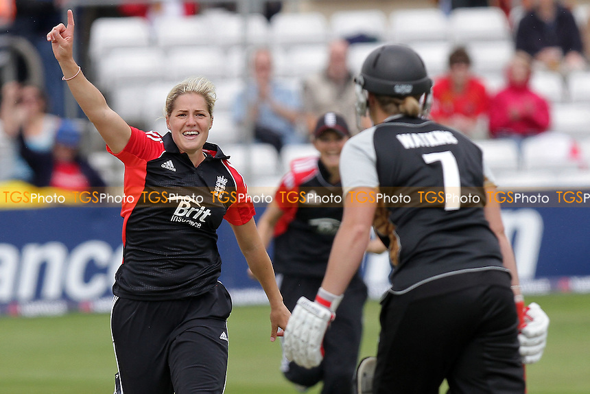 Katherine Brunt of England claims the wicket of Aimee Watkins - England Women vs New Zealand Women - NatWest Women's Quadrangular T20 Series Cricket at the Ford County Ground, Chelmsford - 23/06/11 - MANDATORY CREDIT: Gavin Ellis/TGSPHOTO - Self billing applies where appropriate - Tel: 0845 094 6026