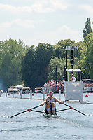 """Henley on Thames, United Kingdom, 3rd July 2018, Saturday,  """"Henley Royal Regatta"""",  Heat of """"The Diamond Sculls"""" """"Mahe DRYSDALE, NZL M1X"""" approaching the 1/4 Mile Post, Henley Reach, River Thames, Thames Valley, England, UK."""