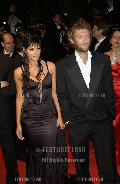 Actress MONICA BELLUCCI & actor husband VINCENT CASSEL at the Cannes Film Festival for the world premiere of their movie Irreversible..24MAY2002.  © Paul Smith / Featureflash