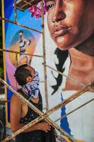 Nick, pintor y muralista que participa en las festividades del dia Jaguar de la reserva Monte Mojino en Alamos Sonora.  3oct2019. <br />  (© Photo: LuisGutierrez / NortePhoto.com)