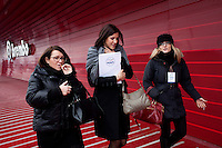 Bergamo: Mario Monti presenta la sua lista Scelta Civica con Monti al kilometro rosso di Bergamo..Nella foto tre ragazze partecipano all'evento.