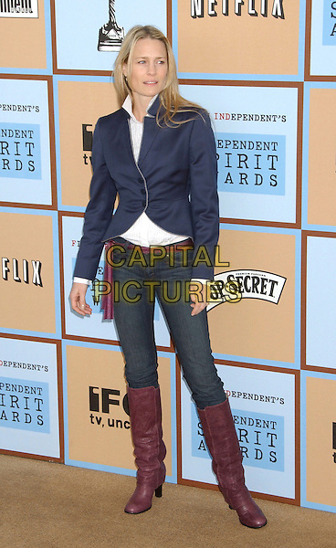 ROBIN WRIGHT PENN.At the 21st IFP Film Independants's Independent Spirit Awards held at Santa Monica Beach, Santa Monica, California, USA,04 March 2006..full length blue jcket purple knee high boots.Ref: ADM/LF.www.capitalpictures.com.sales@capitalpictures.com.©Laura Farr/AdMedia/Capital Pictures.
