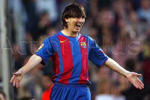 01.05.2005  Lionel Messi (FC Barcelona) scores another goal