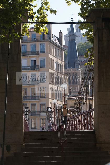 Europe/France/Rhône-Alpes/69/Rhône/Lyon: Quais de Saône et la passerelle Saint-Georges