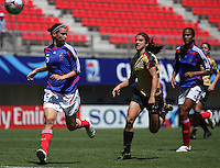 Chile, Chillan:French defender Laura Agard(l) goes for the ball along with Alex Morgan during the football match of the Fifa U-20 Women's World Cup the at Nelson Oyarz˙n stadium in Chill·n , on November the ninth 2008 2008. GROSNIA / sergio Araneda
