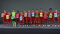 Fussball Bundesliga 2012/13: FC Bayern Muenchen Mannschaftsfoto und Fototermin