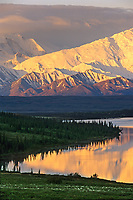 Wonder lake, Alaska mountain range, Denali National Park, Alaska