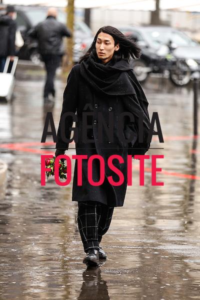 Street Style<br /> <br /> Paris - Inverno 2016<br /> <br /> foto: Leo Faria/ FOTOSITE