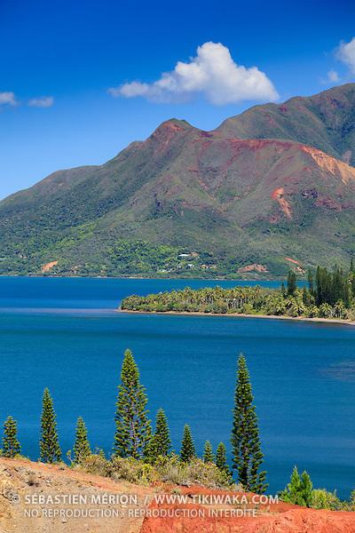 La baie de Plum et le Mont-Dore, Nouvelle-Calédonie