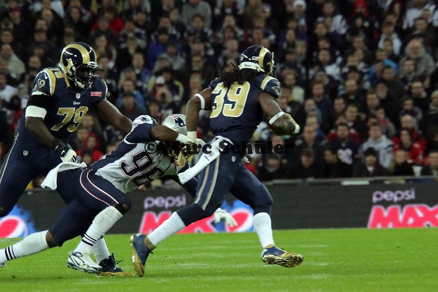 RB Stephen Jackson (Rams) wird gestoppt