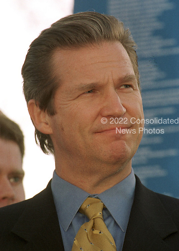 Actor Jeff Bridges takes part in an anti-hunger rally at the U.S. Capitol in Washington, D.C. on February 29, 2000..Credit: Ron Sachs / CNP