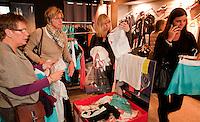 8-2-10, Rotterdam, Tennis, ABNAMROWTT, winkelende vrouwen