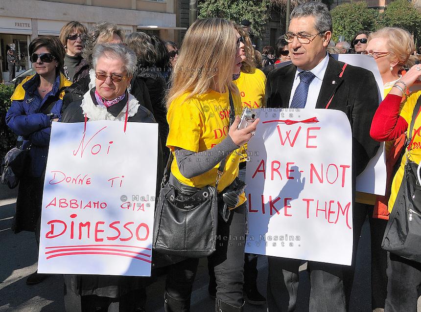 Palermo, protest of women against Berlusconi and in defense of female dignity.<br /> Palermo, manifestazione del 13 febbraio in difesa della dignita'delle donne.