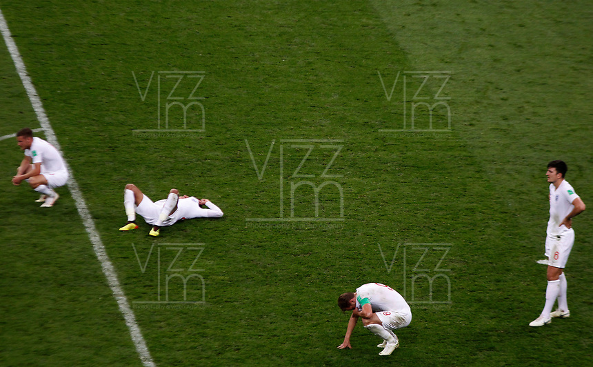 MOSCU - RUSIA, 11-07-2018: Jugadores de Inglaterra lucen decepcionados después del partido de Semifinales entre Croacia y Inglaterra por la Copa Mundial de la FIFA Rusia 2018 jugado en el estadio Luzhnikí en Moscú, Rusia. / Players of England look disappointed after the match between Croatia and England of Semi-finals for the FIFA World Cup Russia 2018 played at Luzhniki Stadium in Moscow, Russia. Photo: VizzorImage / Julian Medina / Cont