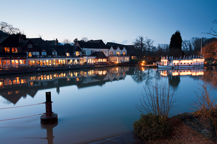 The Swan Hotel and Restaurant on the River Thames at dusk in Streatley, Berkshire, Uk