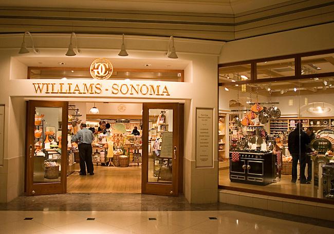 Shopping, Williams-Sonoma, The 900 Shops, Chicago, Illinois