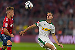 06.10.2018, Allianz Arena, Muenchen, GER, 1.FBL,  FC Bayern Muenchen vs. Borussia Moenchengladbach, DFL regulations prohibit any use of photographs as image sequences and/or quasi-video, im Bild Joshua Kimmich (FCB #32) im kampf mit Patrick Herrmann (Moenchengladbach #7) <br /> <br />  Foto &copy; nordphoto / Straubmeier
