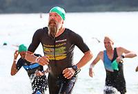 Sportler kommen aus dem Wasser - Mörfelden-Walldorf 15.07.2018: 10. MöWathlon