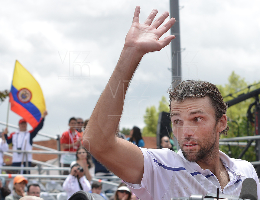 BOGOTÁ -COLOMBIA. 21-07-2013. Ivo Karlovic (CRO) saluda al público para celebrar el triunfo sobre Alejandro Falla (COL) en la final del ATP Claro Open Colombia 2013 jugado en el Centro de Alto Rendimiento en Bogota./ Ivo Karlovic (CRO) waves to the public to celebrate after defeating to Alejandro Fall (COL) in the final of ATP Claro Open Colombia 2013 at Centro de Alto Rendimiento in Bogota city. Photo: VizzorImage / Str