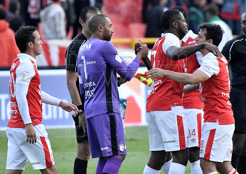 BOGOTÁ - COLOMBIA, 03-11-2018: Robinson Zapata, Leyvin Balanta, Diego Guastavino jugadores de Santa Fe celebran después del encuentro entre Independiente Santa Fe y Deportes Tolima por la fecha 18 de la Liga Águila II 2018 jugado en el estadio Nemesio Camacho El Campin de la ciudad de Bogotá. / Robinson Zapata, Leyvin Balanta, Diego Guastavino players of Santa Fe celebrate after match between Independiente Santa Fe and Deportes Tolima for the date 18 of the Aguila League II 2018 played at the Nemesio Camacho El Campin Stadium in Bogota city. Photo: VizzorImage / Gabriel Aponte / Staff