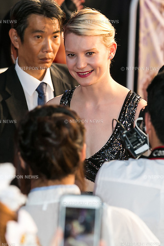 Australian actress Mia Wasikowska (26) attends the Japan premiere for the film Alice Through the Looking Glass on June 21, 2016, Tokyo, Japan. Wasikowska wearing a elegant black dress was joined by producer Suzanne Todd and director James Bobin to promote their sequel to Alice in Wonderland (2010) at Roppongi Hills Arena. The film hits Japanese theaters on July 1st. (Photo by Rodrigo Reyes Marin/AFLO)