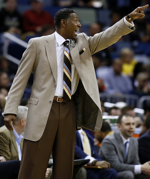 Minnesota Timberwolves head coach Sam Mitchell reacts during the first half of an NBA basketball game against the New Orleans Pelicans Saturday, Feb. 27, 2016, in New Orleans. The Timberwolves won 112-110. (AP Photo/Jonathan Bachman)
