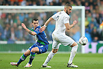 Real Madrid's Karim Benzema (r) and WfL Wolfsburg's Vieirinha during Champions League 2015/2016 Quarter-finals 2nd leg match. April 12,2016. (ALTERPHOTOS/Acero)