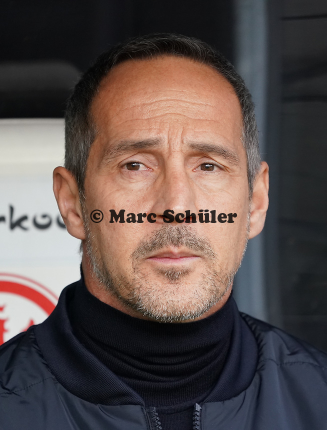 Trainer Adi Hütter (Eintracht Frankfurt) - 23.11.2019: Eintracht Frankfurt vs. VfL Wolfsburg, Commerzbank Arena, 12. Spieltag<br /> DISCLAIMER: DFL regulations prohibit any use of photographs as image sequences and/or quasi-video.