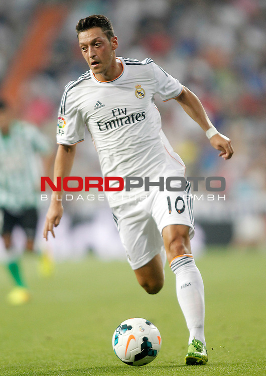 Real Madrid's Mesut Ozil during La Liga match.August 18,2013. Foto © nph / Acero)