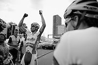 Jelle Wallays (BEL) wins stage 1 &amp; is happy to share his joy<br /> <br /> 2nd World Ports Classic 2013<br /> stage 1: Antwerpen (BEL) - Rotterdan (NLD)<br /> 165km