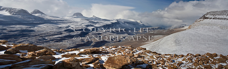 Labyrinth, Dias in the Wright Valley from Mount Thor. The Dry Valleys. Antarctica.