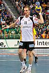 Nach 167 L&auml;nderspielen mit 576 Toren beendet Holger Glandorf seine Karriere in der deutschen Handball-Nationalmannschaft. Der 31-j&auml;hrige Linksh&auml;nder war 2007 Weltmeister und gewann im Juni mit der SG Flensburg-Handewitt die Champions League<br /> Archiv aus: <br />  05.11.2011. TUI Arena, GER, Hannover, Handball Supercup 2011, Deutshcland (GER) vs Schweden (SWE), im Bild  Handball Supercup 2011. Aus Germany (Wei&szlig;) gegen Schweden 22:25 am 05.11.2011 in der TUI Arena in Hannover. Am Ball DHB Spieler Holger Glandorf #11. Foto &copy; nph / Rust *** Local Caption ***