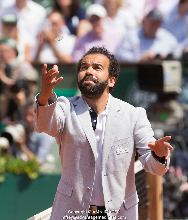KADER NUNI, UMPIRE<br /> <br /> Tennis - French Open 2014 -  Roland Garros - Paris -  ATP-WTA - ITF - 2014  - France -  7th June 2014. <br /> <br /> &copy; AMN IMAGES