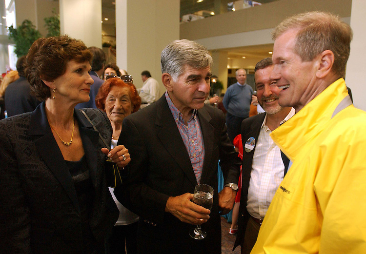 7/25/04.FLORIDA DELEGATION/DEMOCRATIC NATIONAL CONVENTION--Kitty and former Massachussetts Gov. Michael Dukakis with Sen. Bill Nelson, D-Fla., with delegates during a party for the Florida Delegation at Northeastern University in Boston. .CONGRESSIONAL QUARTERLY PHOTO BY SCOTT J. FERRELL.