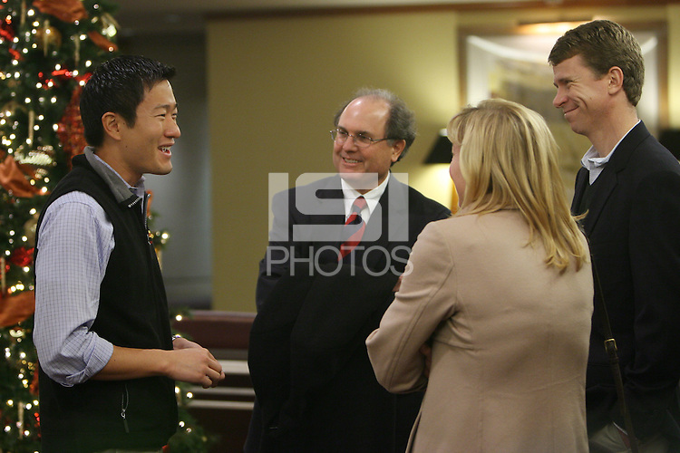 STANFORD, CA - DECEMBER 8:  Guests at the Coaches Corner Luncheon on December 8, 2008 in San Francisco, California.