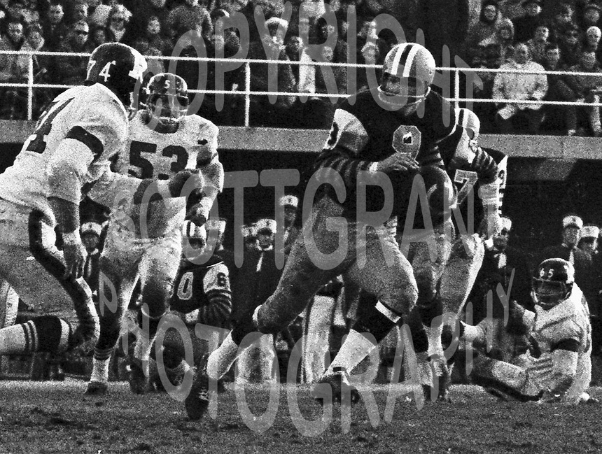 Joe Zuger HamiltonTiger Cats quarterback 1963. Copyright photograph Ted Grant