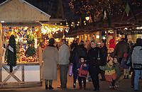 Europe/France/Alsace/68/Haut-Rhin/Colmar: Noël à Colmar - Marché de Noël sur la place de l'ancienne douane ou Koïfhus (AUTORISATION N°242-243-244)